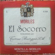 Etiquetas antiguas: ETIQUETA VINO EL SOCORRO MORILES BODEGAS TORRES BURGOS LUCENA CÓRDOBA. Lote 262347855