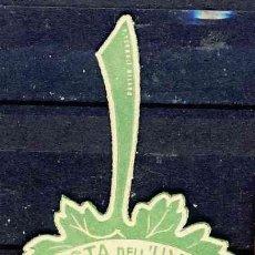 Etiquetas antiguas: ETIQUETA TROQUELADA FESTA DELL UVA. 1930. ITALIA (4,8 X 7,2 CMS). Lote 268912554