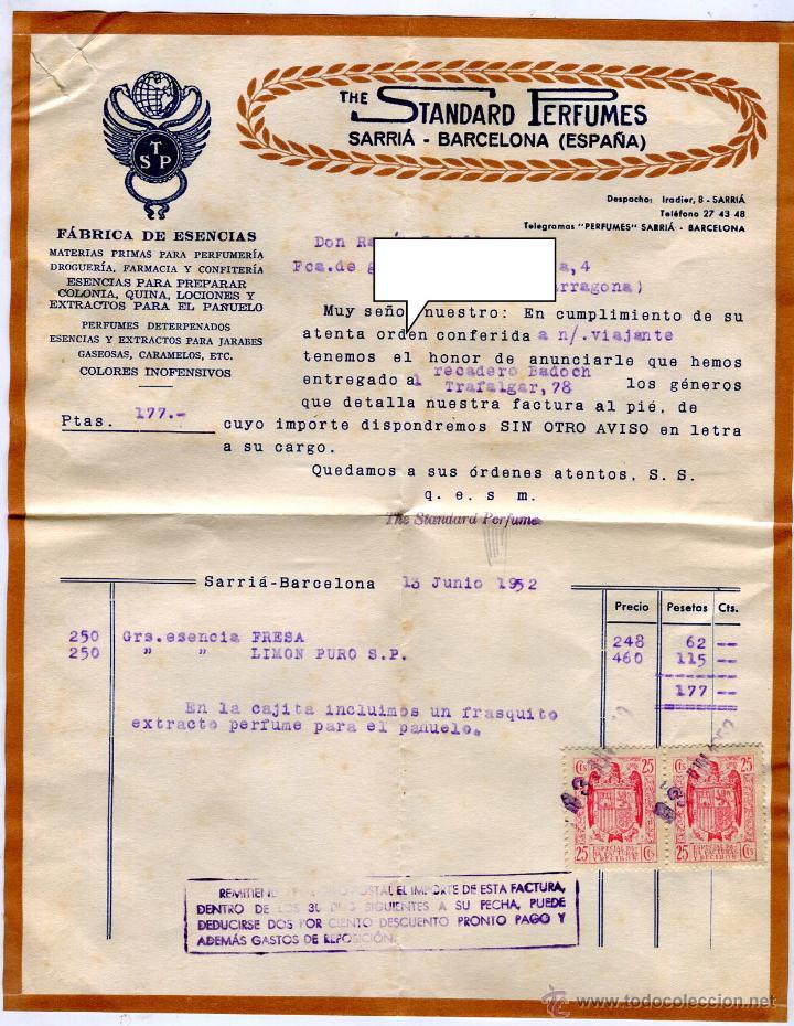 ESENCIAS STANDARD PERFUMES BARCELONA FACTURA +LETRA + SOBRE REMITE COMERCIAL FRANQUEADO AÑO 1952 (Coleccionismo - Documentos - Facturas Antiguas)