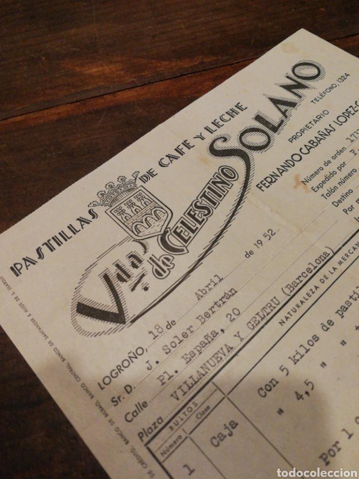 Facturas antiguas: ANTIGUA FACTURA VDA.DE CELESTINO SOLANO, PASTILLAS DE CAFÉ Y LECHE (LOGROÑO), 1952, TIMBRE. - Foto 2 - 140804556