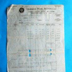 Facturas antiguas: FACTURA HECHA A UN INDUSTRIAL DE BARCELONA POR HAWKEYE PEARL BUTTON CO. 1920. Lote 210226850