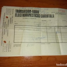 Facturas antiguas: FACTURA ALBARAN DE TRANSVISION-RADIO ELECTRODOMESTICOS CARRATALA DE VILLARREAL DE 1975. Lote 266329268
