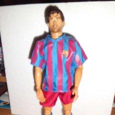 Figuras de acción: FIGURA ARTICULADA 30 CM 1/6 DE DECO FC BARCELONA CON PEANA. Lote 39351799