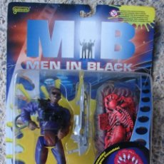Figuras de acción: MEN IN BLACK - JAY CON ALIEN - M.I.B. - FAMOSA. Lote 40774806