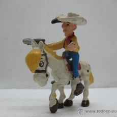 Figuras de acción: LUCKY LUKE ,FIGURA DE GOMA CON CABALLO. Lote 41659460
