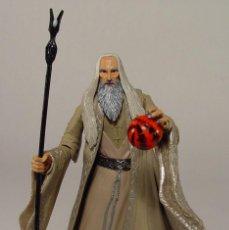 Figurines d'action: THE LORD OF THE RINGS EL SEÑOR DE LOS ANILLOS EL HOBBIT SARUMAN TOY BIZ FIGURE FIGURA MUÑECO. Lote 48839014