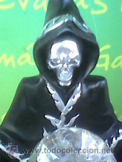 Figuras de acción: Preciosa figura de la Muerte oteando a su clientela en bola de cristal. 23 cms con Luz. -Ver - Foto 5 - 51074503