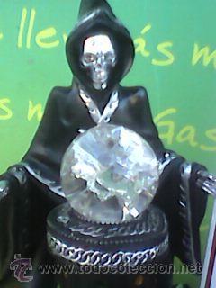 Figuras de acción: Preciosa figura de la Muerte oteando a su clientela en bola de cristal. 23 cms con Luz. -Ver - Foto 6 - 51074503