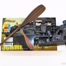 Figuras de acción: DRAGON MODELS MOTOR Y REMO PARA ANFIBIO. Lote 209145558