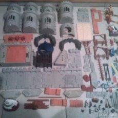 Figuras de acción: CASTILLO Y PERSONAJES DISNEY MERLIN EL ENCANTADOR FAMOSA. Lote 58746843