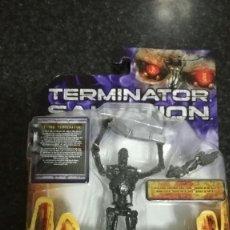 Figuras de acción: TERMINATOR SALVATION, T-700. Lote 76646651