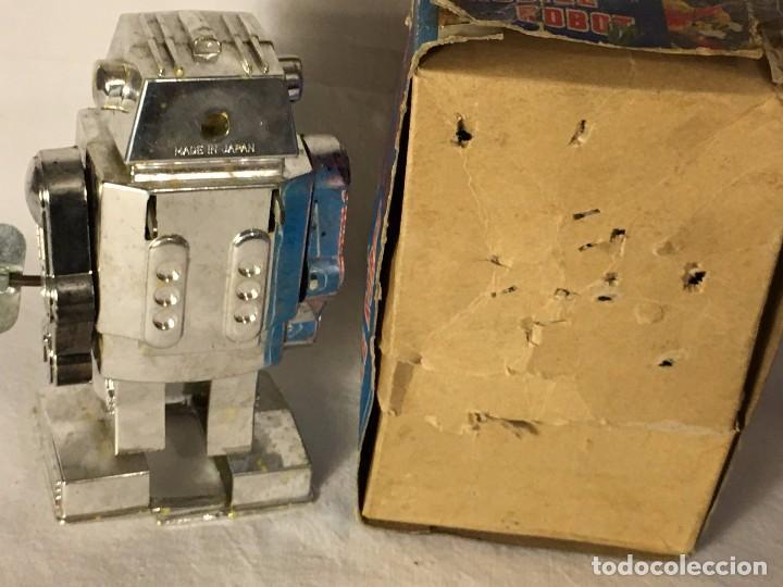 Figuras de acción: ANTIGUO JUGUETE ROBOT ESPACIO SPACE, TIRA FUEGO POR EL PECHO FUNCIONA A CUERDA EN CAJA MADE IN JAPAN - Foto 14 - 86293672