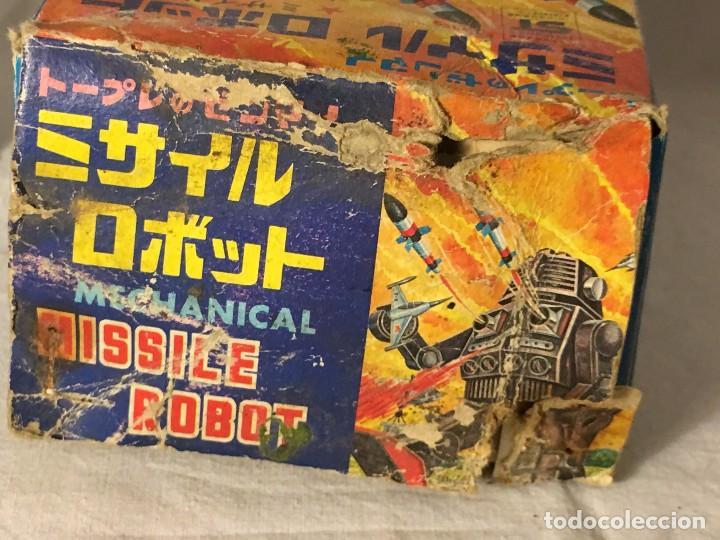 Figuras de acción: ANTIGUO JUGUETE ROBOT ESPACIO SPACE, TIRA FUEGO POR EL PECHO FUNCIONA A CUERDA EN CAJA MADE IN JAPAN - Foto 15 - 86293672