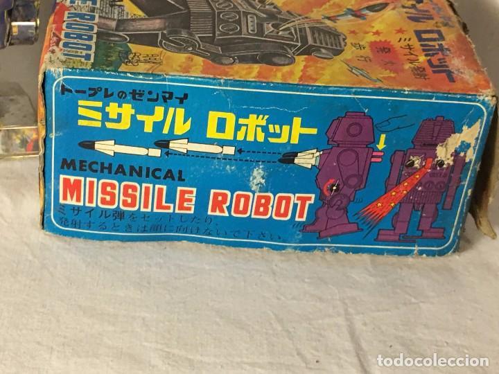 Figuras de acción: ANTIGUO JUGUETE ROBOT ESPACIO SPACE, TIRA FUEGO POR EL PECHO FUNCIONA A CUERDA EN CAJA MADE IN JAPAN - Foto 16 - 86293672