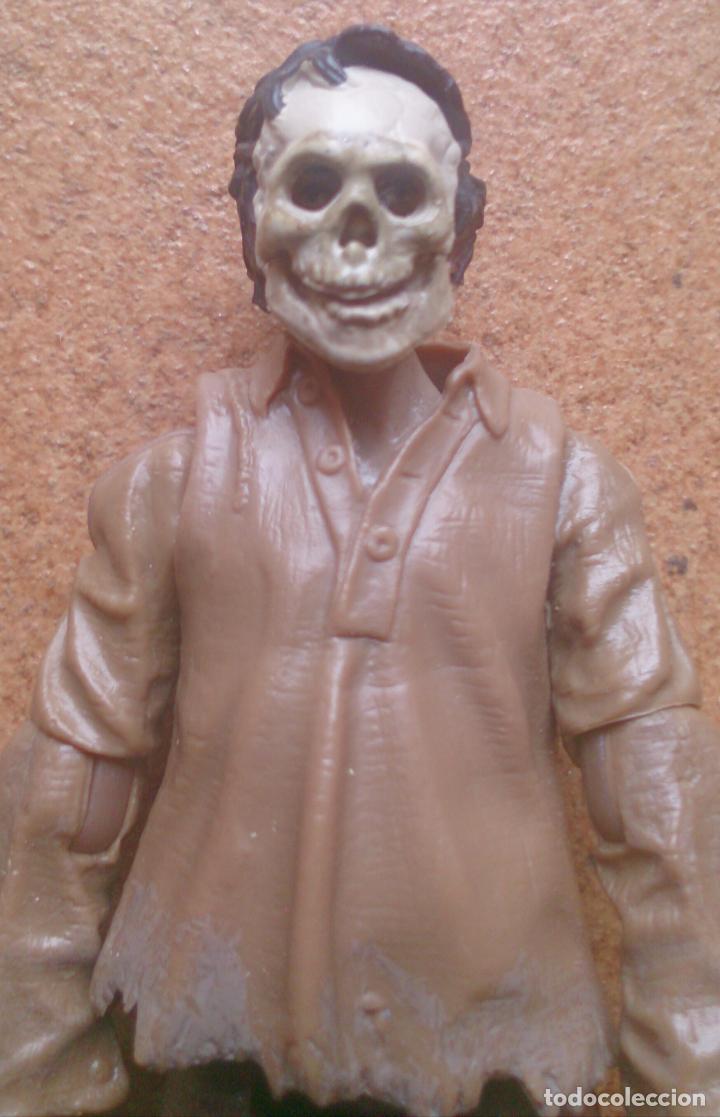Figuras de acción: Figura articulada Hasbro 2007 Lfl Indiana Jones Cemetery Warrior - Foto 3 - 91988045