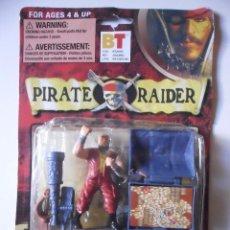 Figuras de acción: PIRATE RAIDER PIRATAS DEL CARIBE FIGURA BOOTLEG EN BLISTER. Lote 109995447