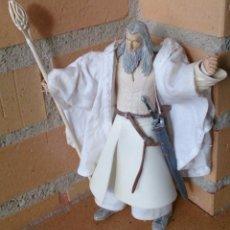 Figuras de acción: FIGURA EL SEÑOR DE LOS ANILLOS GANDALF BLANCO. Lote 133916705
