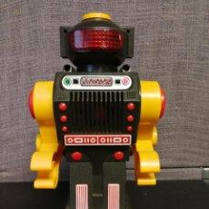 Figuras de acción: ANTIGUO ROBOT MADE IN JAPAN. Lote 117675207