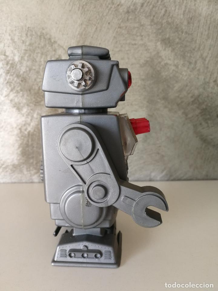 Figuras de acción: ANTIGUO ROBOT A CUERDA MADE IN HONG KONG - Foto 3 - 119266243