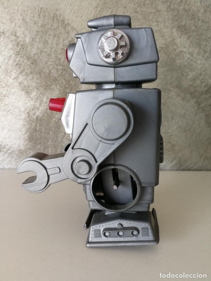Figuras de acción: ANTIGUO ROBOT A CUERDA MADE IN HONG KONG - Foto 5 - 119266243