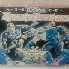 Figuras de acción: KARATE FIGHTERS ELECTRONIC MB. NUEVO EN CAJA. PRECINTADO. CYBERFIST VS TIGER NINJA. 1996. HASBRO.. Lote 119307686
