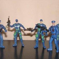 Figurines d'action: COLECCIÓN POLICÍA CON ARMAS CHAP MEI. SIMILAR GI JOE. MÁS PEQUEÑOS QUE MADELMAN MDE. Lote 120753791