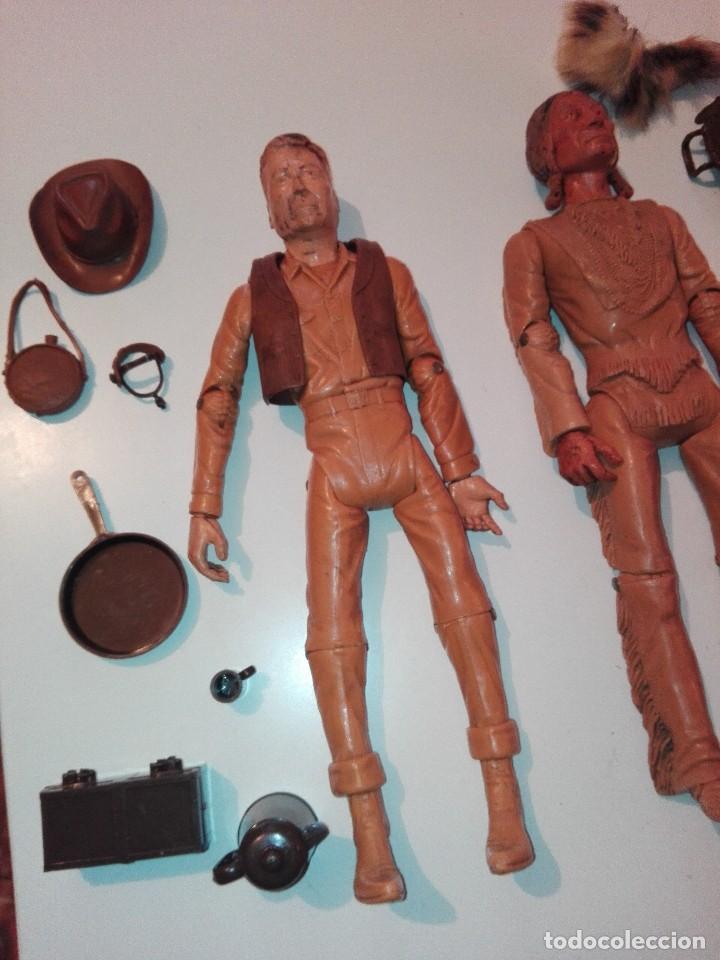 Figuras de acción: Lote de antiguos muñecos y accesorios Louis marx años 60. 70 - Foto 3 - 133588078
