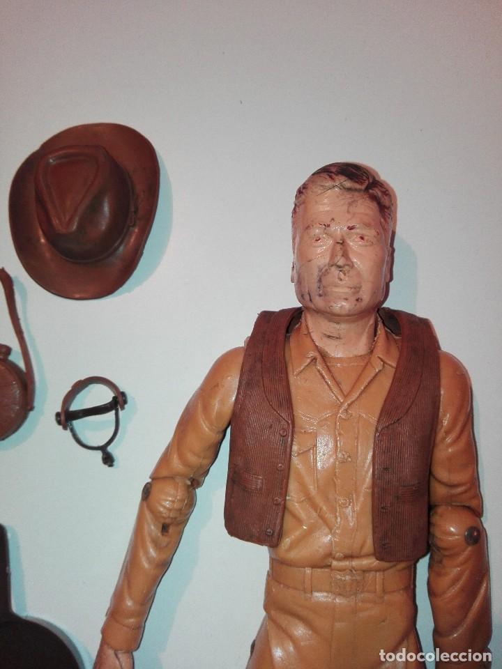 Figuras de acción: Lote de antiguos muñecos y accesorios Louis marx años 60. 70 - Foto 6 - 133588078