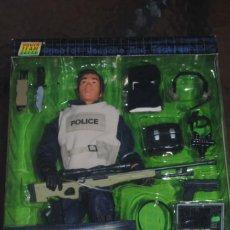 Figuras de acción: FIGURA POWER TEAM COMANDO SWAT POLICIA A ESCALA 1/6. FRANCOTIRADOR. Lote 134370866