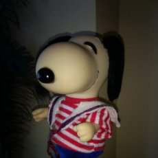 Figuras de acción: SNOOPY 22 CM UNITED FEATURE SYNDICATE INC 1958, 1966 MADE SPAIN. Lote 137457738