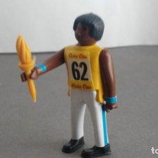 Figuras de acción: ANTIGUA FIGURA DE MINI AIRGAM BOYS OLIMPICO COLA CAO PUERTO RICO CON ANTORCHA. Lote 137983938