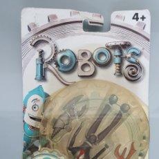 Figuras de acción: ROBOTS MATTEL 2 FIGURAS FENDER RATCHET EN BLISTER ORIGINAL. Lote 142967980