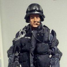 Figuras de acción: SWAT ESCALA 1/6 POLICÍA. Lote 145761170