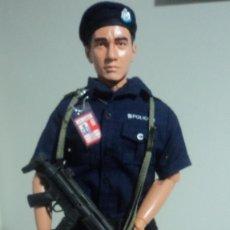 Figuras de acción: ESCALA 1/6 POLICIA . Lote 147758194