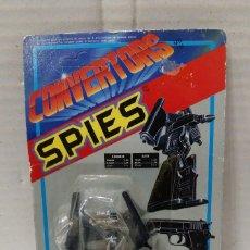 Figuras de acción: CONVERTORS SPIES. PISTOLET GUN. PISTOLA ROBOT. NUEVO EN BLISTER ORIGINAL. 1984.. Lote 151035206