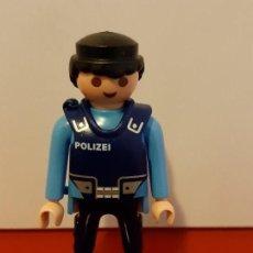 Figuras de acción: PLAYMOBIL FIGURA POLICIA AZUL CON CHALECO POLIZEI. Lote 152352698