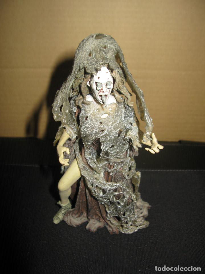 FIGURA MCFARLANE: THE CRONE, SNAKES POP OUT OF EYES AND MOUTH - SLEEPY HOLLOW (Juguetes - Figuras de Acción - Otras Figuras de Acción)