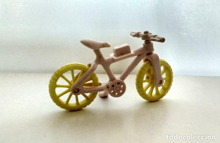 Figuras de acción: Bicicleta tipo Pinypon rosa y amarilla - Foto 2 - 158214050