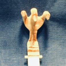 Figuras de acción: GARRA DE JUEGO MATTEL INC 1985 MEXICO VER FOTOS 14X6X8,5CMS. Lote 167991096