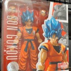 Figuras de acción: FIGURA DRAGON BALL FIGUARTS GOKU SUPER SAIYAN GOD. Lote 177473849