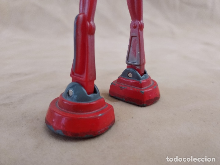 Figuras de acción: Muñeco articulado o de acción de la serie Robots, plástico y metal, unos 18 cms. de alto - Foto 7 - 178865681
