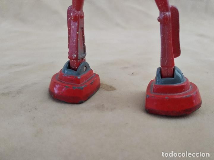 Figuras de acción: Muñeco articulado o de acción de la serie Robots, plástico y metal, unos 18 cms. de alto - Foto 8 - 178865681