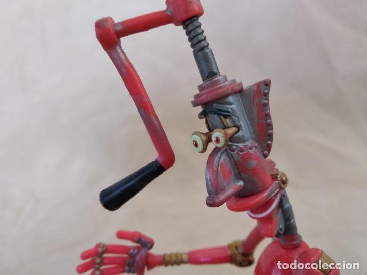 Figuras de acción: Muñeco articulado o de acción de la serie Robots, plástico y metal, unos 18 cms. de alto - Foto 9 - 178865681