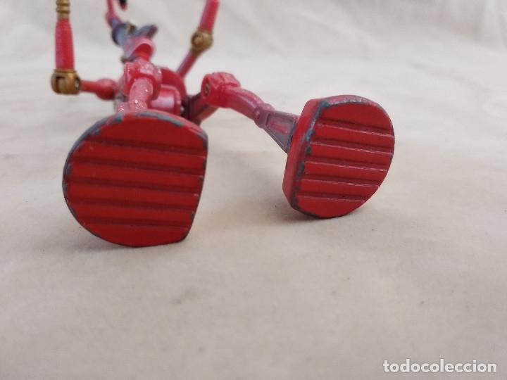 Figuras de acción: Muñeco articulado o de acción de la serie Robots, plástico y metal, unos 18 cms. de alto - Foto 10 - 178865681