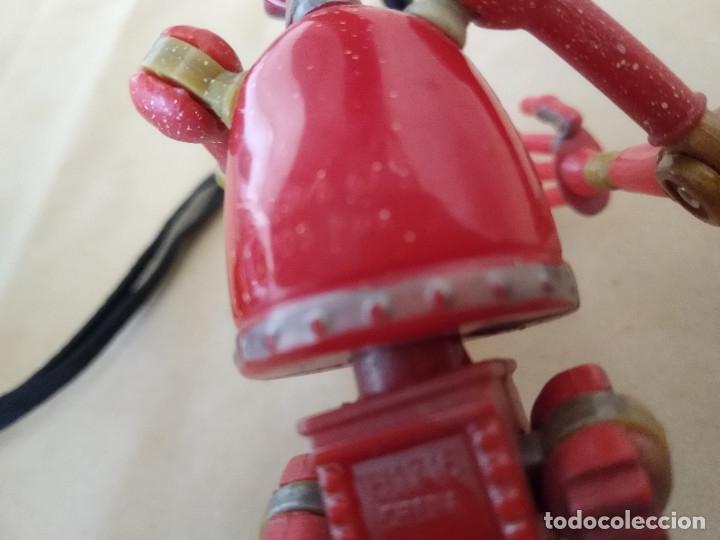 Figuras de acción: Muñeco articulado o de acción de la serie Robots, plástico y metal, unos 18 cms. de alto - Foto 11 - 178865681