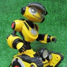 Figuras de acción: WOWWEE ROBOT ROBOROVER MEDIDAS 37X20 CM, FUNCIONANDO. Lote 179147070