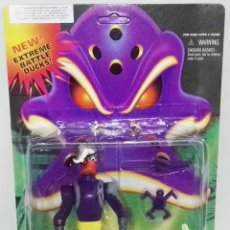 Figuras de acción: FIGURA DE ACCIÓN VINTAGE - MIGHTY DUCKS, DUKE L´ORANGE - BLISTER ORIGINAL.. Lote 183501291