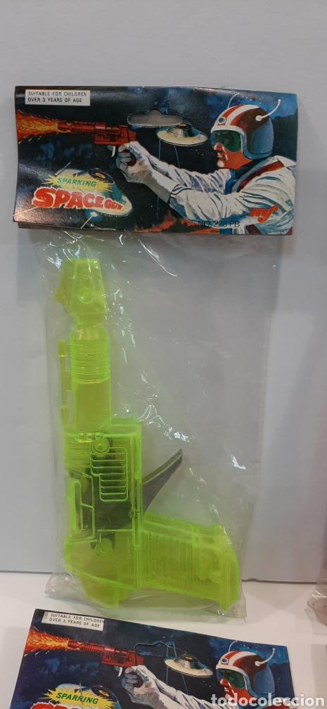 Figuras de acción: Lotazo pistolas espaciales MF - Foto 2 - 194211257