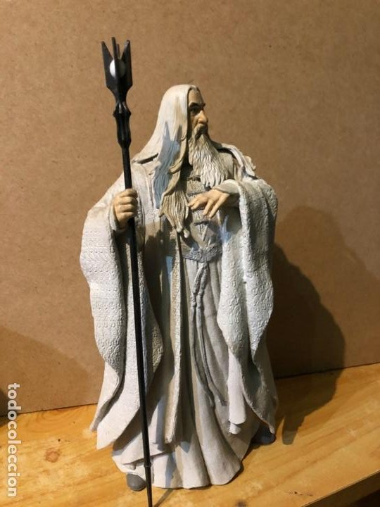 Figuras de acción: estatua de Saruman - Foto 2 - 194900431