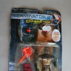 Figuras de acción: TERMINATOR 2 - WHITE HOT T-1000, , WITH ARROW BLASTER, 1993. EN SU BLISTER. Lote 199405118